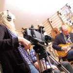 Stina filmar pa musikborsen2